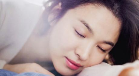 Mặt nạ ngủ - 'thần dược' giúp làn da căng mướt sau một đêm