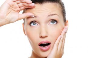 5 thói quen cần loại bỏ khiến gương mặt bạn chi chít nếp nhăn