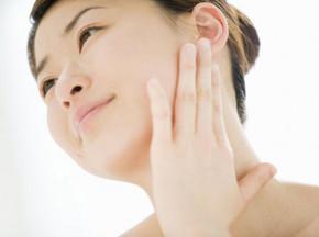 4 điều bạn nên làm mỗi ngày để làn da càng ngày càng tươi trẻ, khỏe mạnh