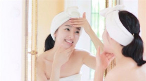 Theo chuyên gia, chính 5 thói quen chết người này đang hủy hoại làn da của bạn!