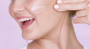 Lý do kem dưỡng trắng da Sakura Spots Care Brightening Cream là sản phẩm dưỡng trắng được yêu thích nhất
