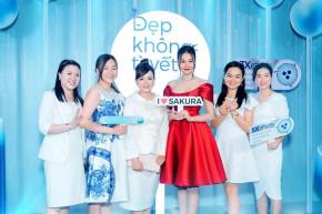 Thanh Hằng diện váy đỏ nổi bật tại sự kiện